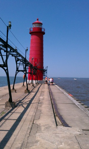 Ptw lighthouse at grand haven