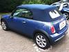 05 MINI (BMW) 1.Serie mit blauem Verdeck von CK-Cabrio 02