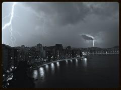 Raios - Niteroi (RAUL BROCKMANN | Visual Arts) Tags: longexposure bw brasil pb lightning niteroi raio b2w abaf raulbrockmann zs7