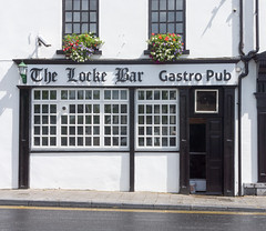 THE LOCKE BAR AND GASTRO PUB - IMAGES FROM THE STREETS OF LIMERICK (infomatique) Tags: ireland europe limerick limerickcity streetsphotography williammurphy infomatique streetsofireland streetsoflimerick