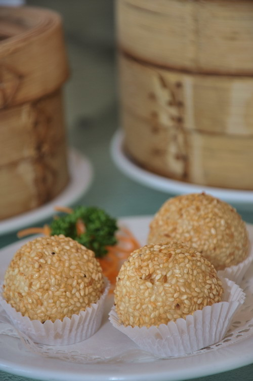 deep fried sesame ball