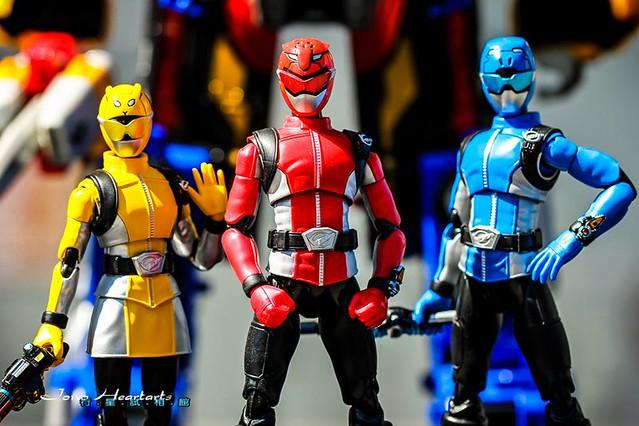 【玩具人Jono Heartarts投稿】SHF 特命戰隊 X Busters Machine 特命機械 - Busters Ready Go! 特集