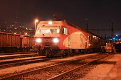 RE456 142-9 SOB - CHIASSO (Giovanni Grasso 71) Tags: re456 sob sudostbahn locomotiva eletterica chiasso smistamento nikon d90 giovanni grasso notturna tronchini deposito