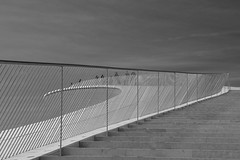 MAAT Escadas P&B (Jorge Laurentino) Tags: maat lisboa lisbon tejo museu electricidade energy canon eos500d sol sun shine brilhante arte moderna modern art bridge ponte 25deabril punk branco white luz light