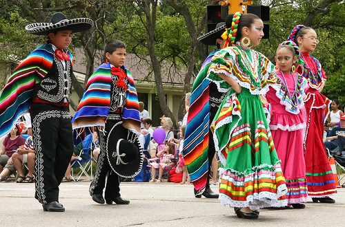 Young Mexican Dancers