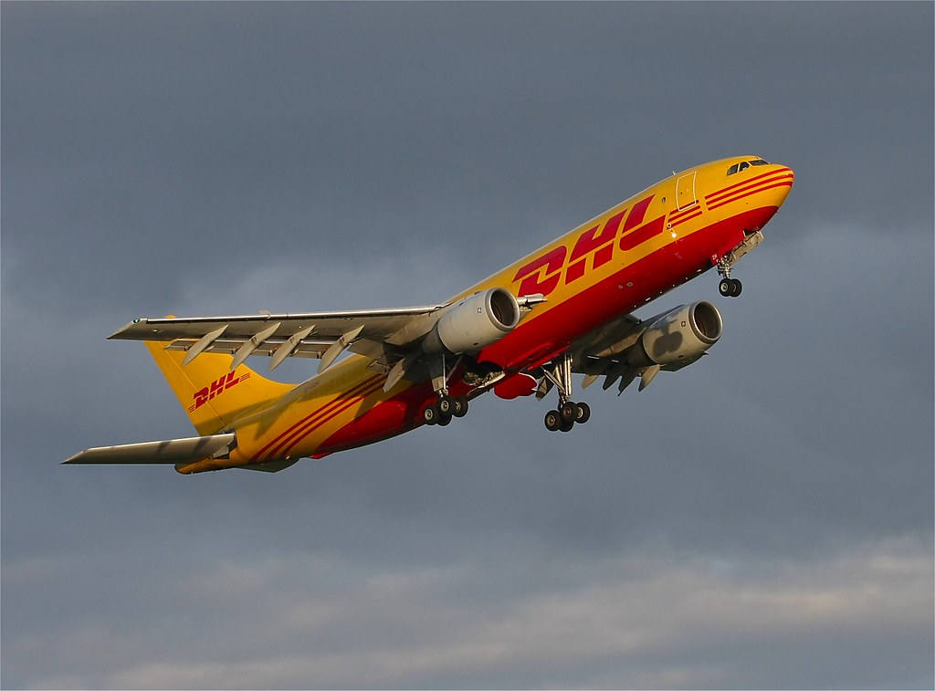 how to return dhl package