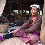 "Palaung Woman <a style=""margin-left:10px; font-size:0.8em;"" href=""http://www.flickr.com/photos/14315427@N00/7070385533/"" target=""_blank"">@flickr</a>"