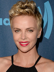Charlize Theron Hairstyles and Hair Colors (Nadyana Magazine) Tags: pixiehaircut newhairstyle trendyhairstyles newbob actresscharlizetheron