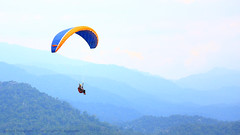 Fly With Nature #02 | Paragliding (AnNamir™ c[_]) Tags: paragliding paraglidingmalaysia paraglidingkkb canon 5dmk3 nature malaysia kualakubu annamir flywithnature darulquranjakim