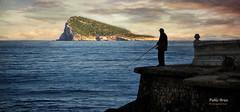 (338/16) La isla (Pablo Arias) Tags: pabloarias photoshop nxd cielo nubes texturas isla pescador gente mar mediterrneo agua benidorm alicante comunidadvalenciana