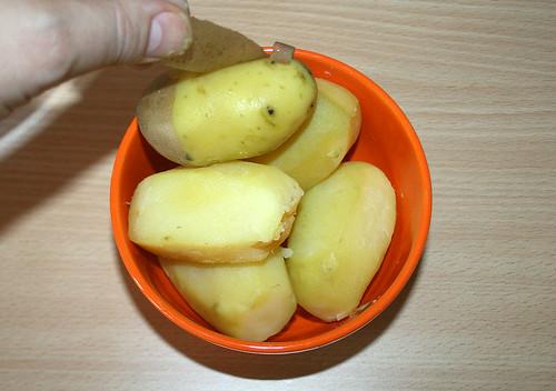 09 - Kartoffeln schälen