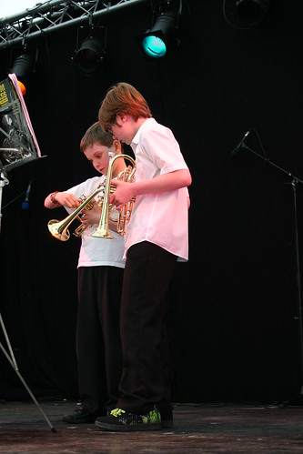 """05 Schools' Showcase - duet • <a style=""""font-size:0.8em;"""" href=""""http://www.flickr.com/photos/26751807@N07/5886255832/"""" target=""""_blank"""">View on Flickr</a>"""