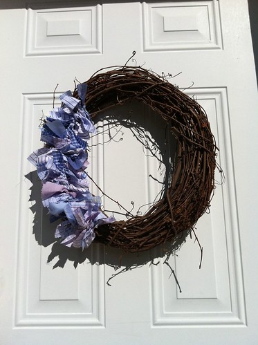 Recycled men's shirting fabric wreath