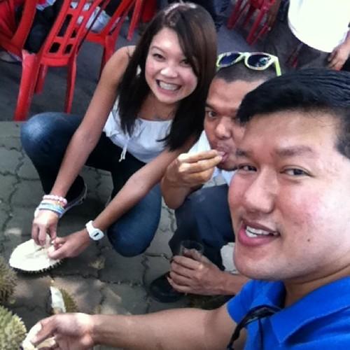 Lepas lunch, pekena durian dulu!
