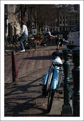 A bike in Amsterdam (Iam Marjon Bleeker) Tags: blue holland amsterdam bike bicycle biker leliegracht amsterdammertje springinamsterdam marinaspring024