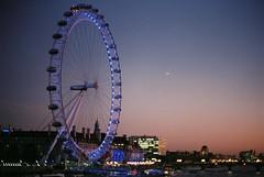London Eye at night (lovelyivan) Tags: england london film nikon scenery europe fuji londoneye 135 superia400  c41  xtra400   el2  theuk nikkorsauto50f14 travelingtheworld