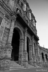 Andalusia in Black and White #10/17 (Ineound) Tags: street bw monochrome blackwhite sevilla spain pentax urlaub pancake andalusia limited ltd andalusien 15mm spanien lim k5 pentaxian da15 da15mm da15ltd smcpda15mmf40edal bwfp
