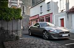 Jaguar XK-R (BenjiAuto (Ratet B. Photographie)) Tags: road shadow france castle cars sport silver nikon dof bokeh gear exotic british jaguar autos 1855 chteau luxury supercar amboise supercars xkr xk 55200 touraine xj220 xkrs d3000 ratet worldcars hypercars
