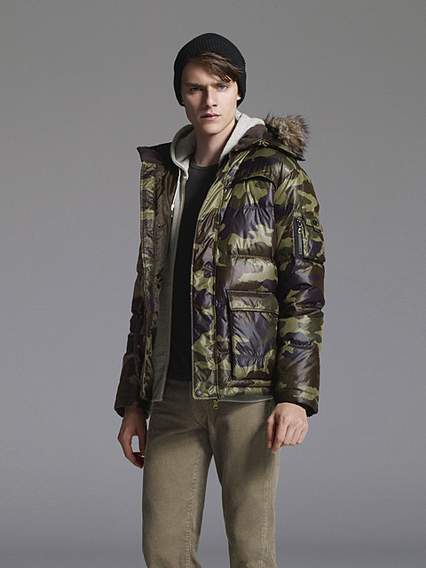Douglas Neitzke0330_UNIQLO DOWN CAMPAIGN WINTER 2010(Official)