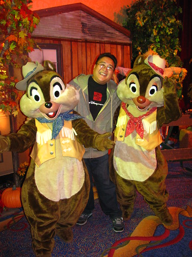 Meeting Farmers Chip n' Dale at A Disney Family Thanksgiving Feast