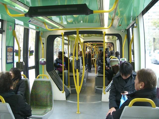 Интерьер трамвая Citadis