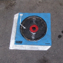 Vanof (lepublicnme) Tags: november streetart paris france square stencil turntable 2010 carr carrfranais vanof