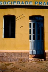 Pradense (Paulo Heuser) Tags: door window brasil ventana puerta nikon bresil fenster brasilien finestra porta janela rs riograndedosul tr brasile fenetre antnioprado d3000 dwwg