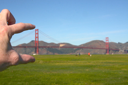 Look, I have the Golden Gate Bridge in my hand!