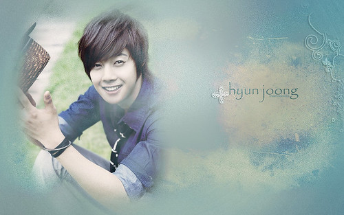 kim_hyun_joong_wallpaper_3_by_anysayuri-d330s6e