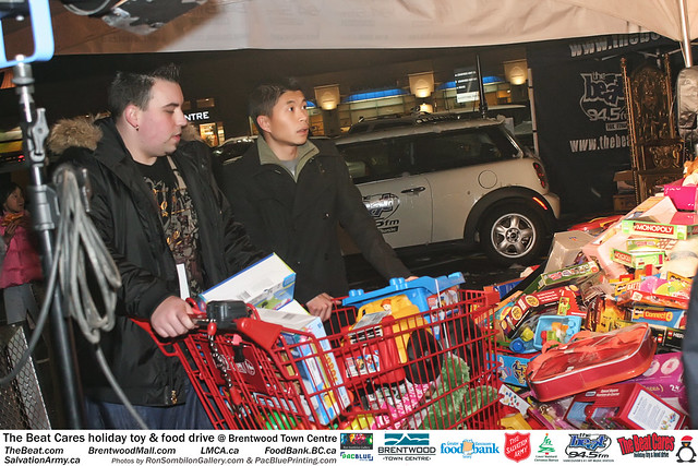The BEAT CARES holiday food and toy drive at Brentwood Town Centre photos by Ron Sombilon Gallery (663) by Ron Sombilon Gallery