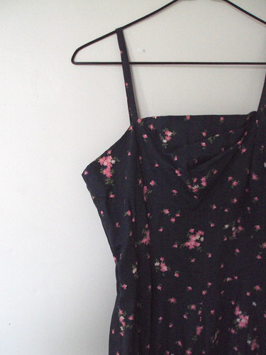 Vintage Strappy Floral Dress (Detail)