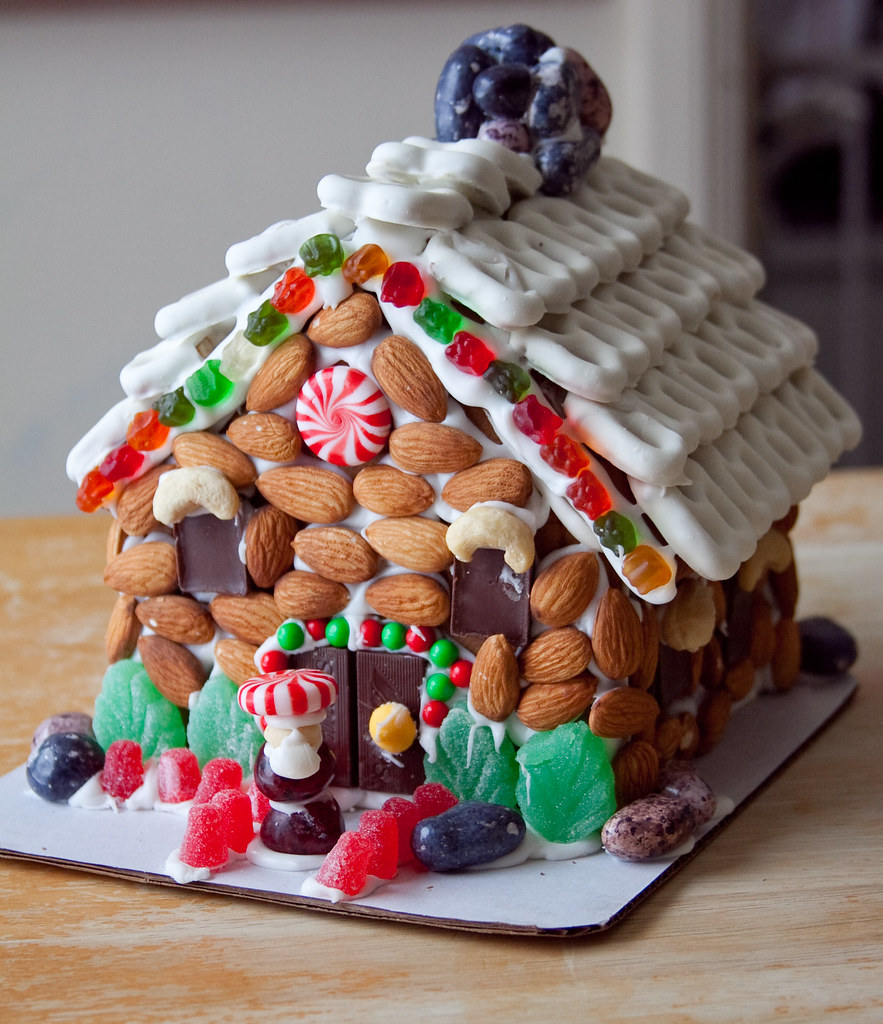 Loblaws Christmas Decorations: Cat On A Limb: Gingerbread House With The Kids