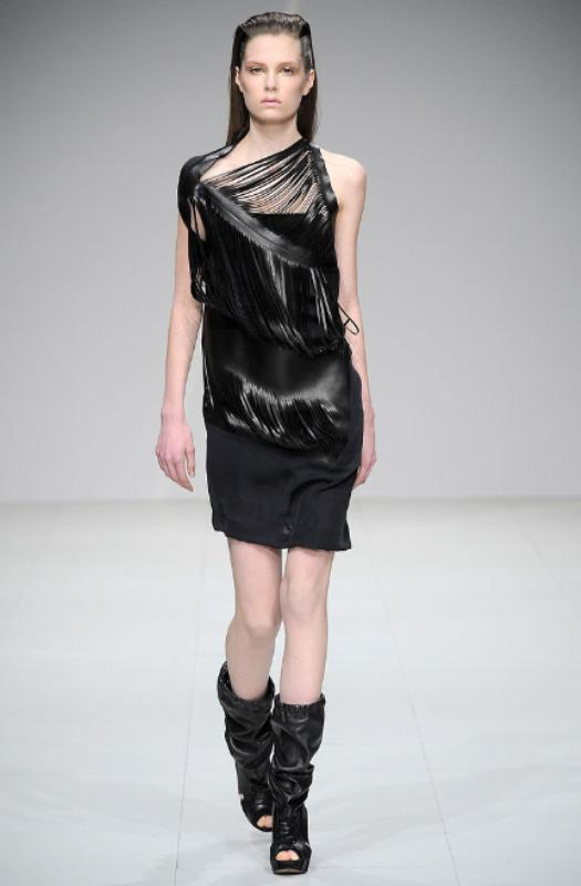 Sharon Wauchob Fall 2010 Slit dress 13