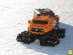 indrik02 (mahjqa) Tags: orange snow ice expedition power lego tracks arctic technic vehicle vodka functions antarctic tracked moc ornj indrik stilzkin