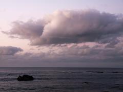 Paisaje marino con la Pea La Vieja (ELuisCabrera) Tags: cloud atardecer playa nube lascanteras pealavieja