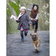 hit the ground running (Ąиđч) Tags: girls andy childhood youth laughing fun happy nikon action andrea joy running run andrew laugh f2 135mm gioia divertimento ridere ragazze azione felici correre benedetti gioventu bambine corrono ridono d7000 ąиđч