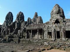 Bayon - veduta d'insieme (Fabio Calamosca) Tags: vietnam angkor bayon mondo avventure cambogia