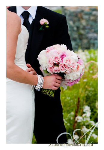 glen-manor-house-portsmouth-ri-wedding-details- brides pink bouquet and groom's boutonniere