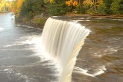 Tahquamenon Falls (Seetaram P) Tags: mi michigan waterfalls upperpeninsula tahquamenonfalls nikond80