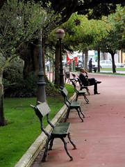 """El pensador"". A Corua. Espaa (alejandra.rh) Tags: street plaza city people urban espaa man fall square spain corua afternoon think thinker ciudad personas galicia urbano banks hombre sits tarde pensador"