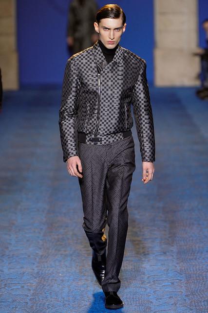 FW11_Milan_Versace035_Charlie France(VOGUEcom)