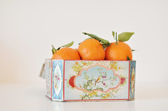 A box of clementines (Karin A ~) Tags: fruits simplicity clementines vintagebox shutterdivas