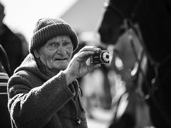 Portrait of a photographer (Frank Fullard) Tags: frankfullard fullard candid street portrait photographer streetphotographer ballinasloe horse fair irish ireland cap galway lol fun mono blackandwhite