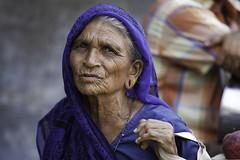 Gujarat : the city of Bhavnagar #13 (foto_morgana) Tags: portrait people india town asia market marketplace bazaar bazar gujarat olderwoman indiancity bhavnagar saurashtra bhavnagardistrict