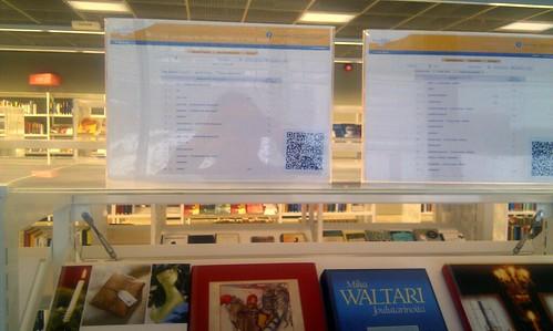 Asiasanahakuja mobiilille kirjastossa vaeltavalle