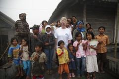 Anne with the Children Near Selo, Central Java (Rowan Castle) Tags: charity indonesia volcano java relief aid solo expats eruption merapi association 2010 selo jawatengah img6524