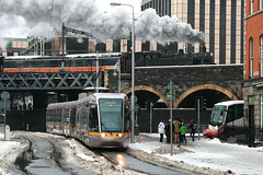 Luas 3025 [Dublin tram] (Howard_Pulling) Tags: ireland dublin irish snow december 4 transport tram steam transportation luas trams strassenbahn 2010 3025 santaspecial irishsteam irishsteamengine