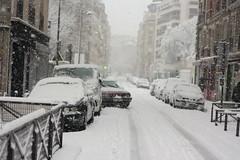 IMG_6471 (pellegrini_paris20) Tags: snowflake schnee white snow paris canon eos flake neige weiss blanc ville flocons flocon itsnows flocke flocken schneeflocke schneit flocondeneige souslaneige esschneit floconsdeneige ilneige 1000d