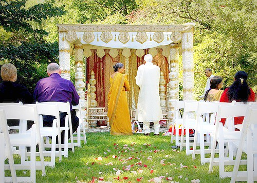 the mandap (ceremonial tent, like a chuppah!)