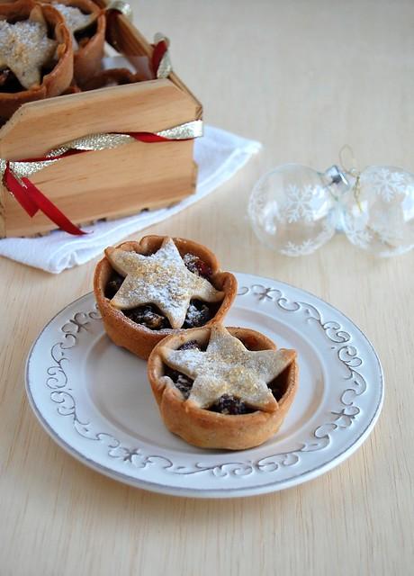 Cinnamon-chocolate fruit mince tarts / Tortinhas de fruit mince com chocolate e canela